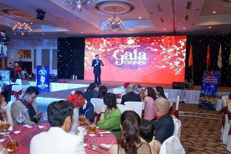 Kinh nghiệm tổ chức tiệc gala dinner