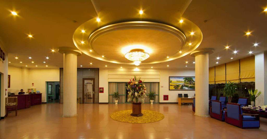 Khu vực đại sảnh khách sạn Khăn Quàng Đỏ