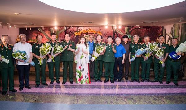 dem tho 1 Đêm thơ Huyền thoại Trường Sơn: Trở về ký ức hào hùng của dân tộc